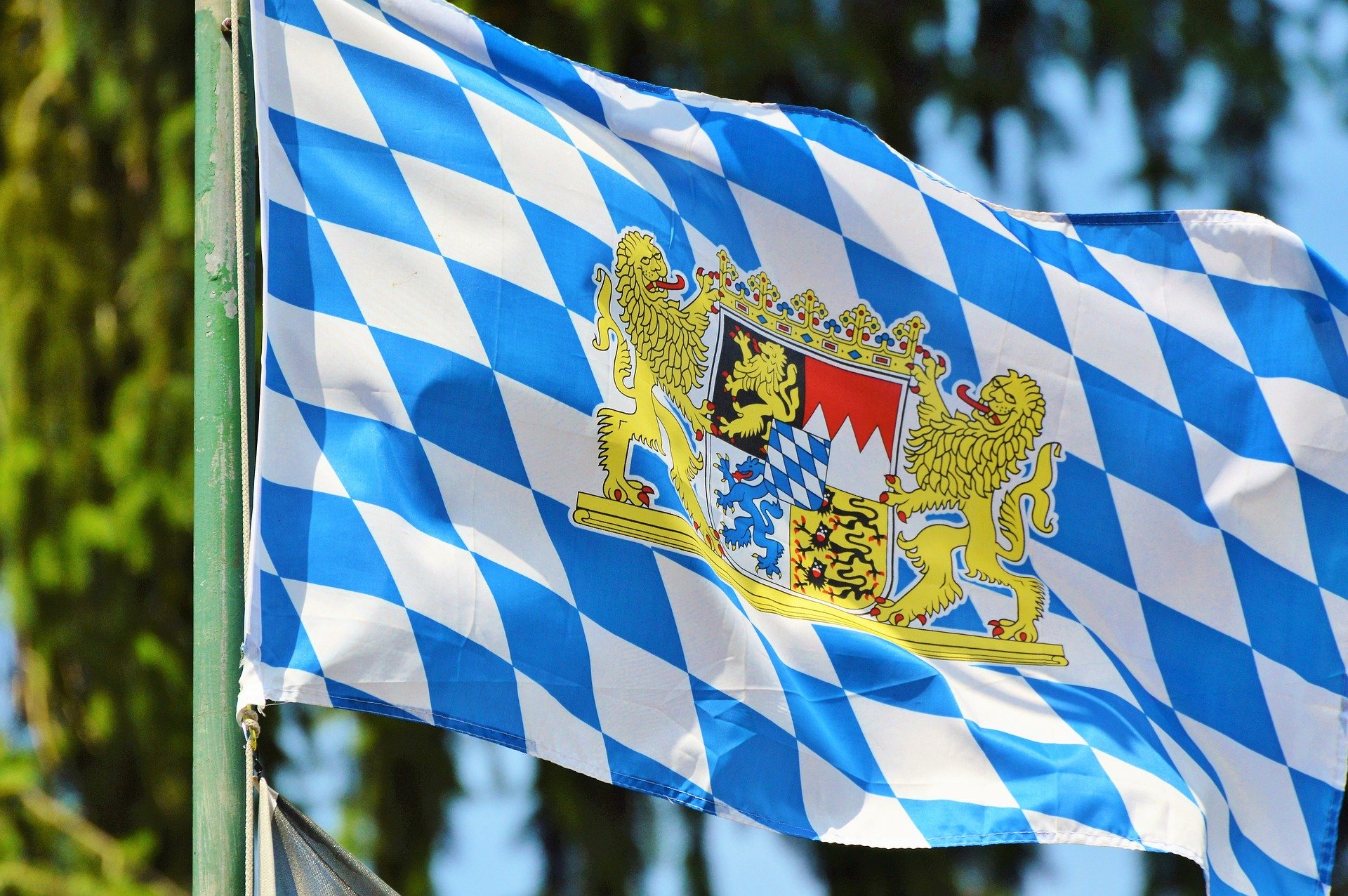 flag-2436700_1920