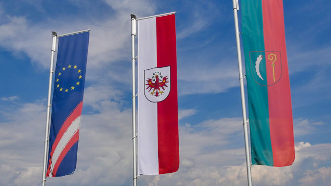 Flagge Österreich - EU - Tirol