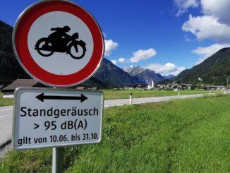 Auf bestimmten Strecken des Naturpark Lechtal/Österreich dürfen Motorräder mit hohen Standgeräuschen bis Ende Oktober 2020 nicht mehr fahren. // Foto: Lechtal Tourismus/Anja Ginther
