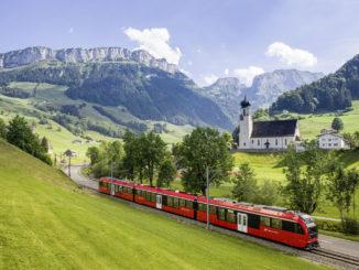 Über alle Grenzen hinweg hat das Bodensee Ticket Gültigkeit: Vom Rheinfall bei Schaffhausen über den gesamten Bodensee bis nach Oberstaufen im Allgäu, von Ravensburg in Oberschwaben bis in die Ostschweiz. Seit diesem Jahr ist auch das schweizerische Appenzellerland mit dem Ticket erreichbar. // Foto: Appenzeller Bahnen