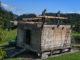 Gehört nicht zum alten Eisen: Der Kornspeicher aus dem 17. Jahrhundert zieht nach Kramsau um. // Foto: Grießenböcl