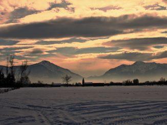 Die Winter-Magie in Bayern spüren - das müsste gehen, sagt Bayerns Wirtschaftsminister Aiwanger. // Foto: Karin Biela auf pixabay.com