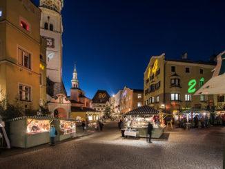 Dank eines neuen Standkonzepts kann der beliebte Haller Adventmarkt in Hall auch dieses Jahr stattfinden. // Foto: Gerhard Berger