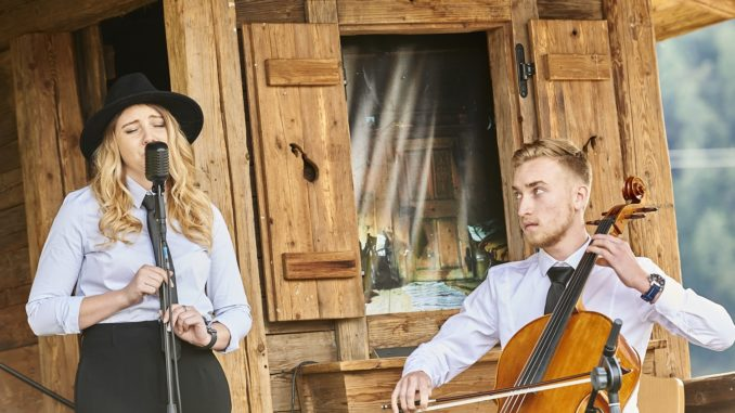 "Sängerin Magdalena Laiminger präsentierte mit ihrer Band Luminya ihre erste Debutsingle ""The Living Rhapsody"" // Foto: fieberbrunn.com"