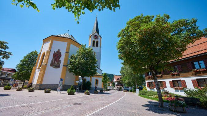 Die Kirche in Oberstaufen. // Foto: TVB Oberstaufen