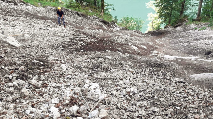 Direkt nach dem Murenabgang am Kaunersteig im Frühjahr 2019 war die Sturzbahn angefüllt mit losem Gesteinsmaterial. // Foto: Nationalpark Berchtesgaden